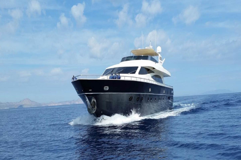 Cabo Yacht Canados 90'