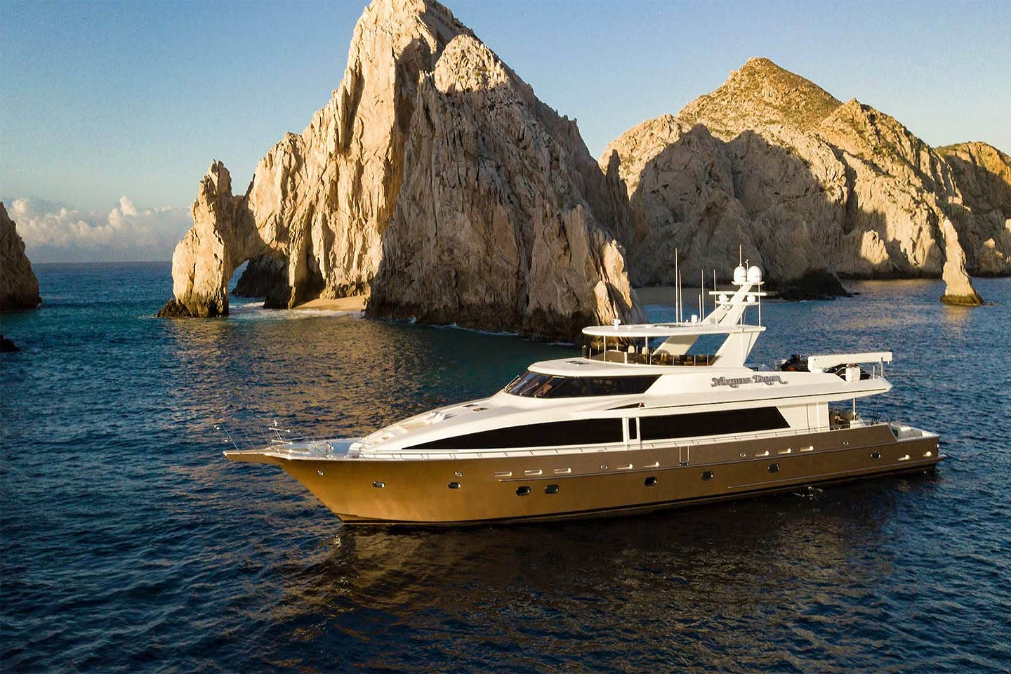 Cabo Yacht Sovereign 130'